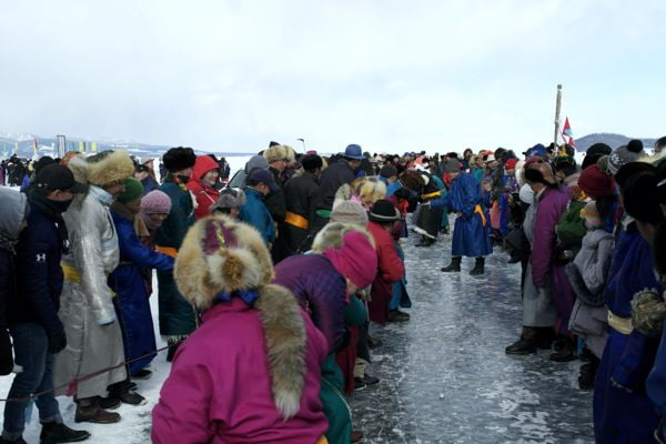 Rope Pulling Challenge on Ice
